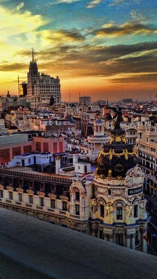 how to get from madrid airport to city